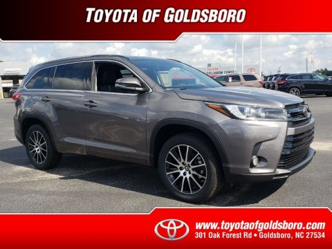 New 2018 TOYOTA HIGHLANDER SE V6 FWD