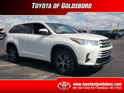 New 2018 TOYOTA HIGHLANDER LE I4 FWD